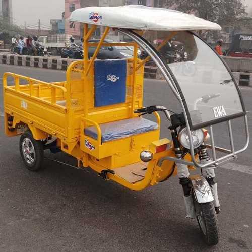 I CAT Approved E Rickshaw Loader