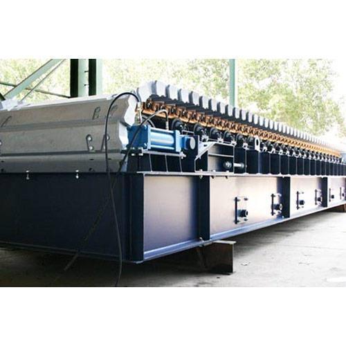 Semi Automatic Apron Conveyors