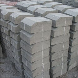 Curb Stone Paver Block With Square Feet For Homes, Resorts And Workplaces