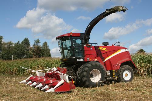 Forage Harvester PALESSE FS8060 at Price 32000000 INR/Piece