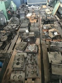 Injection Moulds For Oil Level Glass