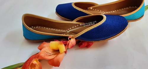 Handcrafted Leather Jutti Heel Size: Flat