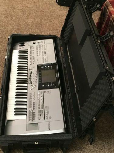 Yamaha Tyros5-61 Note Keyboard Synthesizer