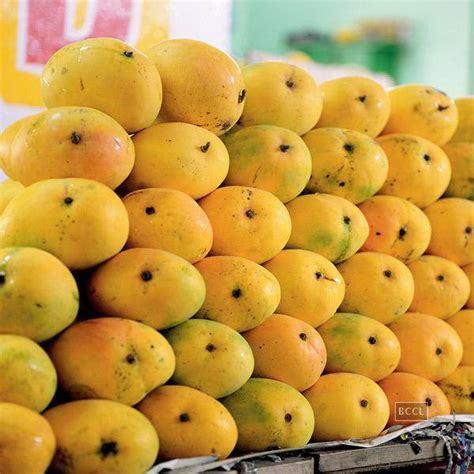 Yellow Organic Predominantly Banganapalli Mango