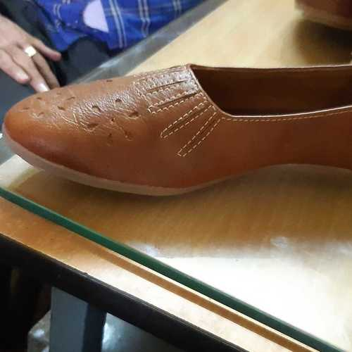 Ladies Casual Leather Shoes at Best