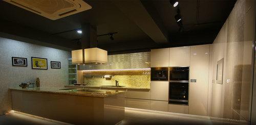 Lacquered Glass Modular Kitchen Interior Designing Service