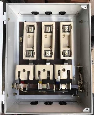 200 Amp Rewirable On Load Main Switch
