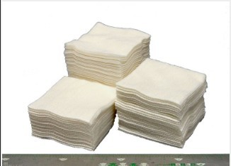 White Non-Woven Cleansing Cloth