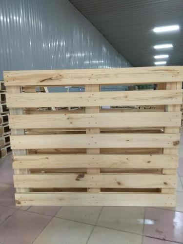 White Vietnam Wooden Pallets at Price Range 7.00 - 12.00 USD/Piece in Hanoi ID: 5758681