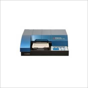 Benchmark Microplate Reader