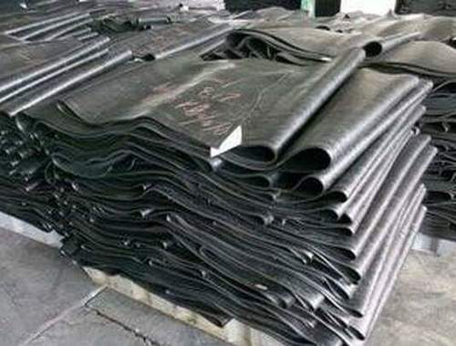 Black Uncured rubber compound