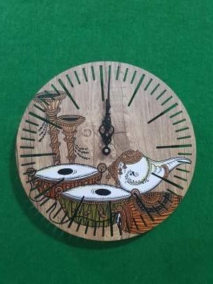 Traditional Art Wall Clock