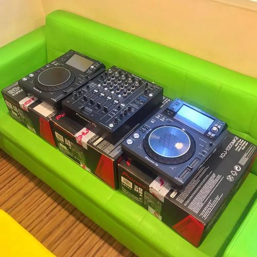 Pioneer Multi Player DJ Deck with Touch Screen