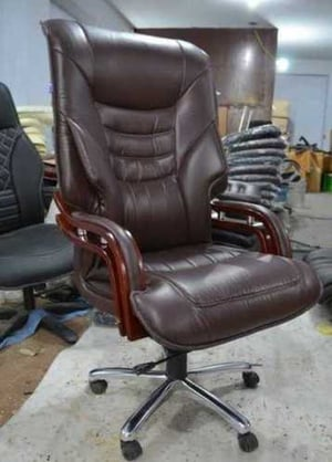 Wheel Base Leatherette Office Chair