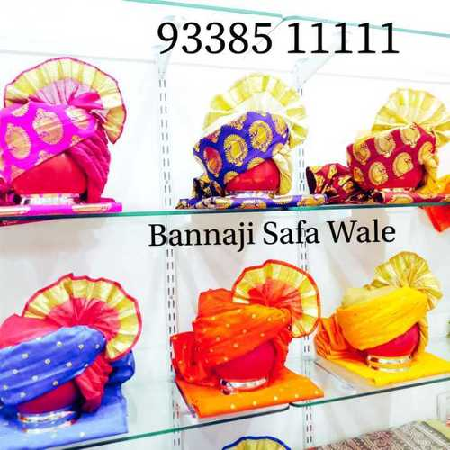 Various Colors Are Available Printed And Plain Safas
