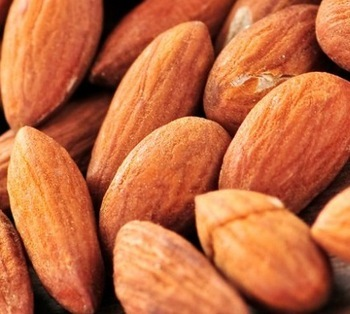Natural Dried Almond Nuts