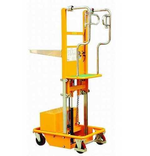 Semi Automatic Hydraulic Lifting