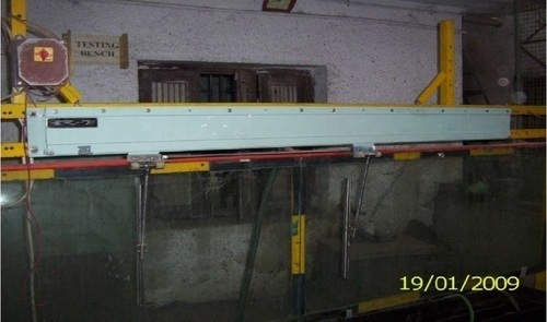Straight Line Window Wiper
