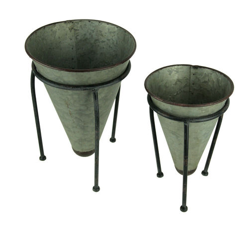 Metal Rustic Cone Shaped Tabletop Planters