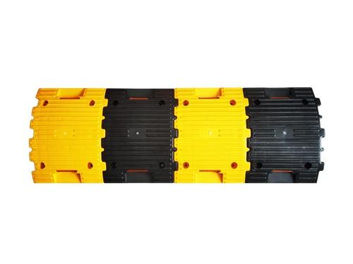 Yellow And Black Pvc Speed Breaker