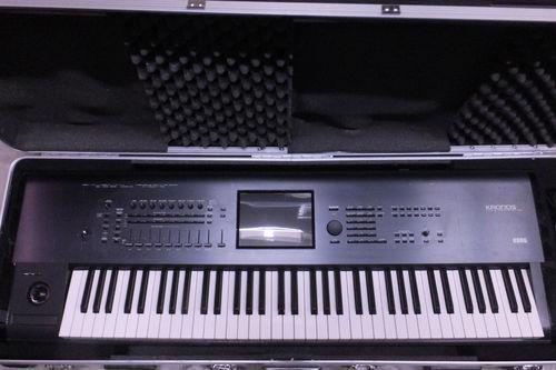 Korg Kronos 73 Keys Synthesizer Keyboard