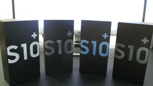 Galaxy S10 Plus Ceramic Black, 8GB RAM, 512GB Storage (Samsung)