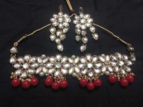 Glass Beads Kundan Choker Necklace Size: Standard