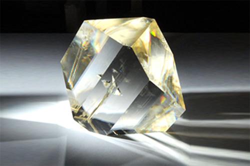 Broad Transparency LBO Crystal