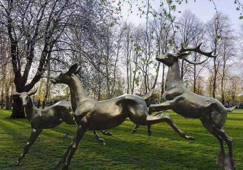 FRP Attractive Deer Statue