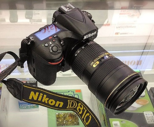 D810 Full Frame DSLR Camera (Nikon)