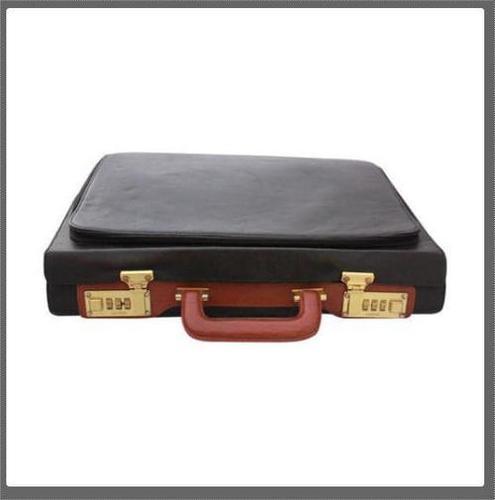 Impeccable Finish Leather Briefcase