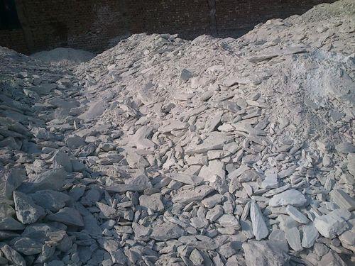 White Talc Lumps and Powder