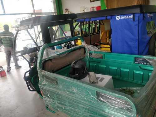 Excellent Torque Power E-Rickshaw