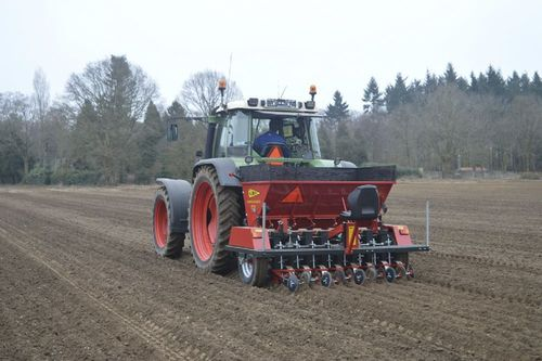 Onion Transplanter For Uniform Planting