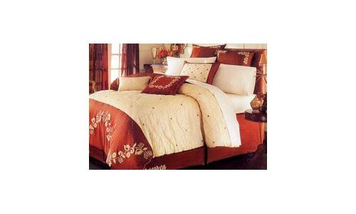 Comfortable Polyester Comforter Set