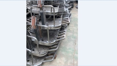 Silver Electric Rickshaw Durable Chassis