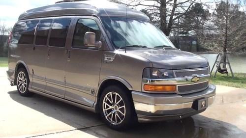 Metal Luxury Van For Personal Use