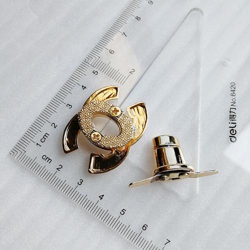 36*27mm Fashion Zinc Alloy Gold Logo Hardware Twist Bag Lock Hd246-19