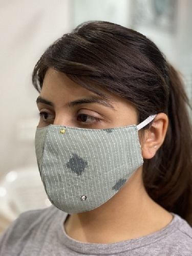 Reusable And Washable Cotton Fabric Face Mask Size: Free Size