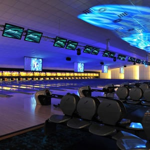 Semi Automatic String-Bowling Alley
