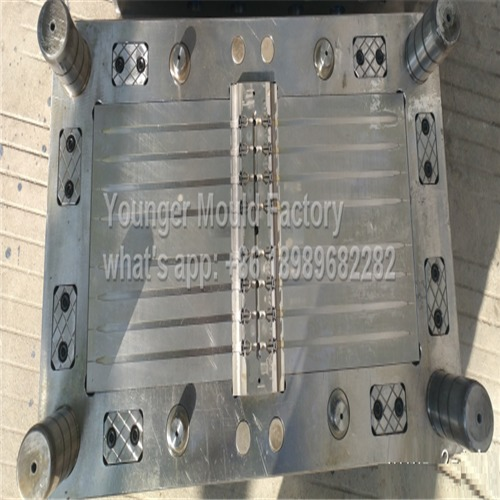 Fir Tree Cable Ties Mould