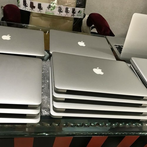 Light Weight DOS Used Laptops