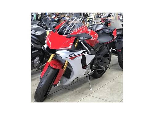 Red And White Used Yamaha Yzf R1 Motorcycle