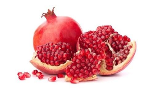 Red Fresh Pomegranate Fruits Size: Medium