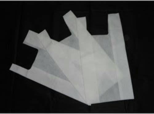 White D CUT Non Woven Bags
