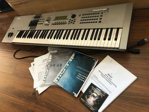 Yamaha Motif 7.76 Key Synthesizer