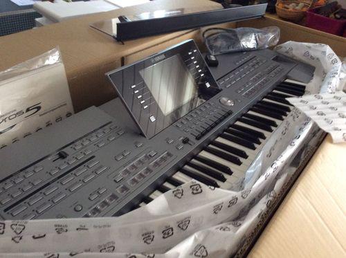 Yamaha Tyros 5 76 Keys Keyboard Synthesizer Application: Professional Singing
