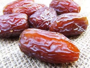 100% Natural Dried Dates