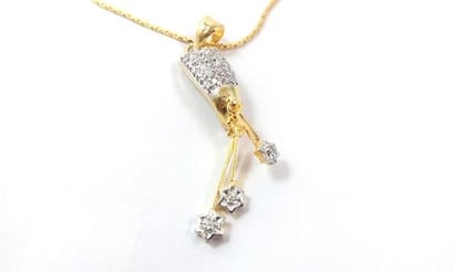 American Diamond Pendant With Chain Excellent
