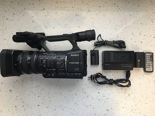 Hxr-Nx5U Nxcam Professional Camcorder Certifications: Ce Rhos